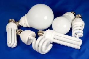 Экономия с помощью энергосберегающих ламп
